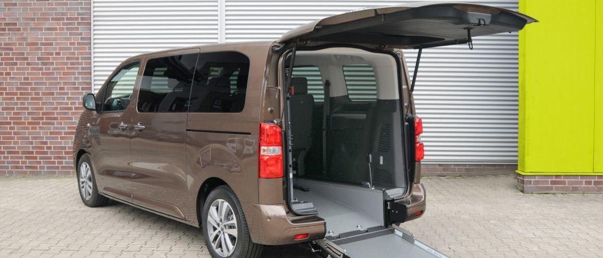 Mobilität für alle: Opel Zafira e Life als rollstuhlgerechter Elektro-Van