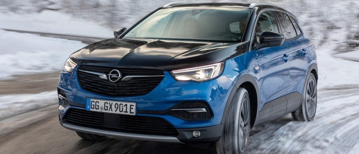 Der Berg ruft: Elektroautos von Opel mit großen Stärken im Gebirge