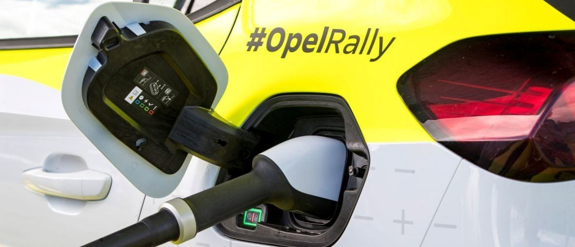 Volle Power: Mobile Ladeinfrastruktur für den Opel Corsa-e Rally