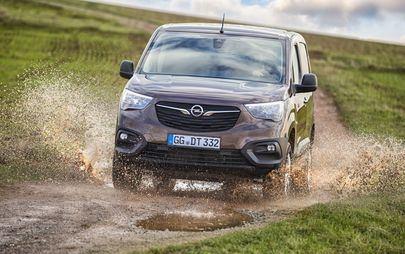Geländewagen: Opel Combo Cargo und Opel Vivaro mit Allradantrieb